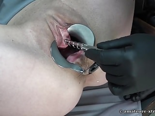 PeeHole Bonking together with fisting